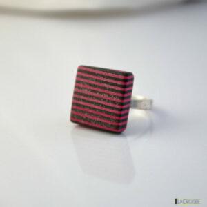 bague-en-bois-collage-noir-et-rose