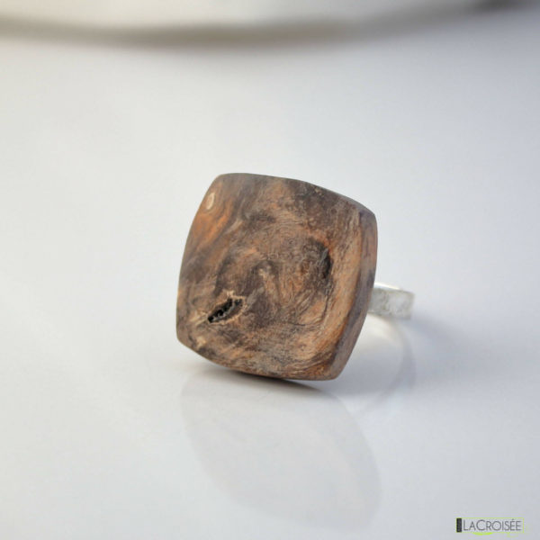 bague-en-bois-loupe-de-marronnier-orange