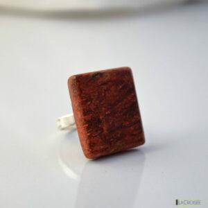 bague-en-bois-loupe-marronnier-rouge